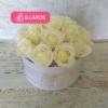 Kép 1/3 - Illatos rózsabox krémszínű- 18 szálas