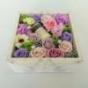 Kép 2/3 - Lila szappanvirág doboz gyertyával