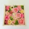 Kép 2/3 - Rózsaszín szappanvirág doboz gyertyával