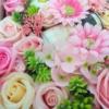 Kép 3/3 - Rózsaszín szappanvirág doboz gyertyával