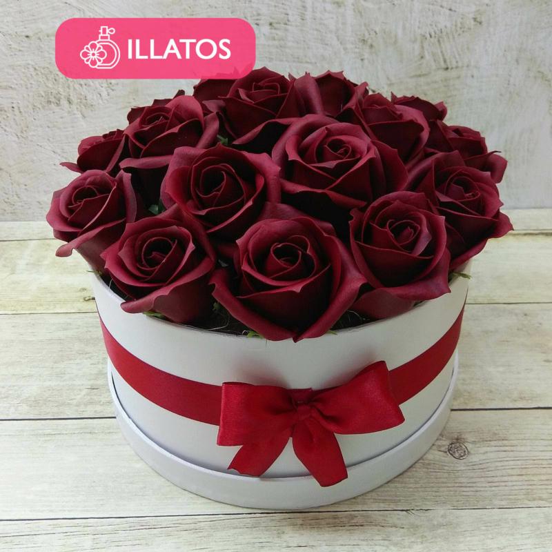 Illatos rózsabox bordó - 18 szálas