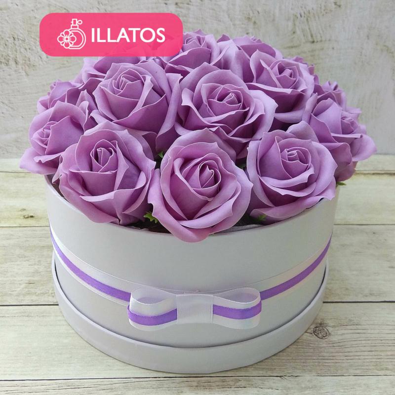 Illatos rózsabox lila - 18 szálas
