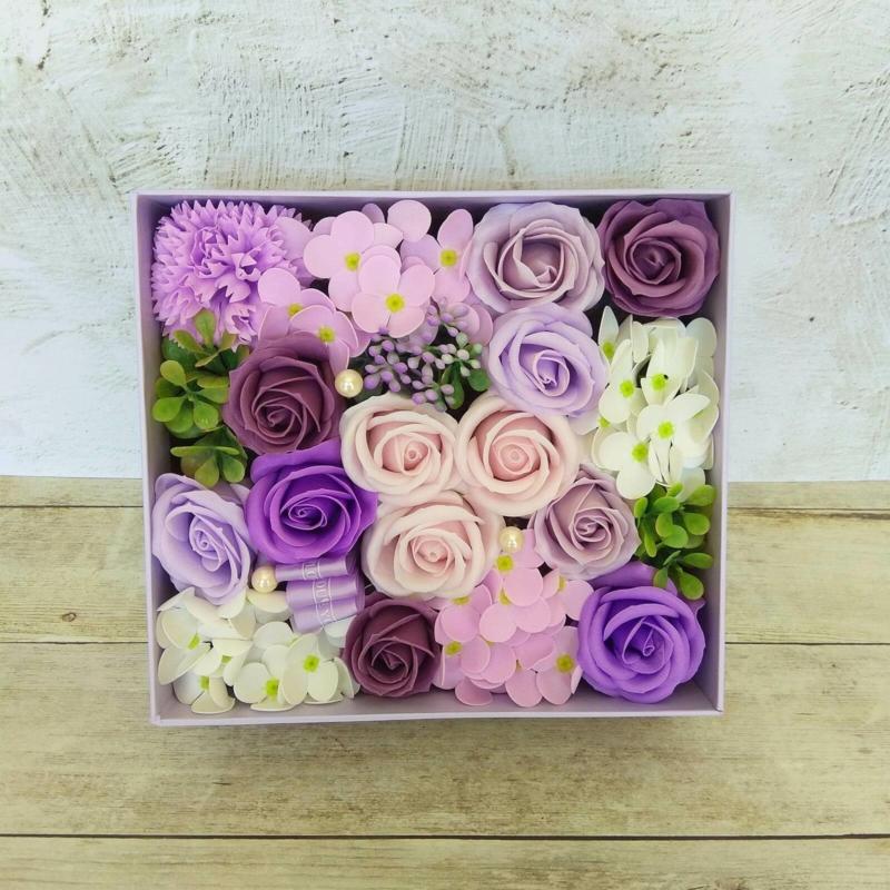 Lila szappanvirág doboz