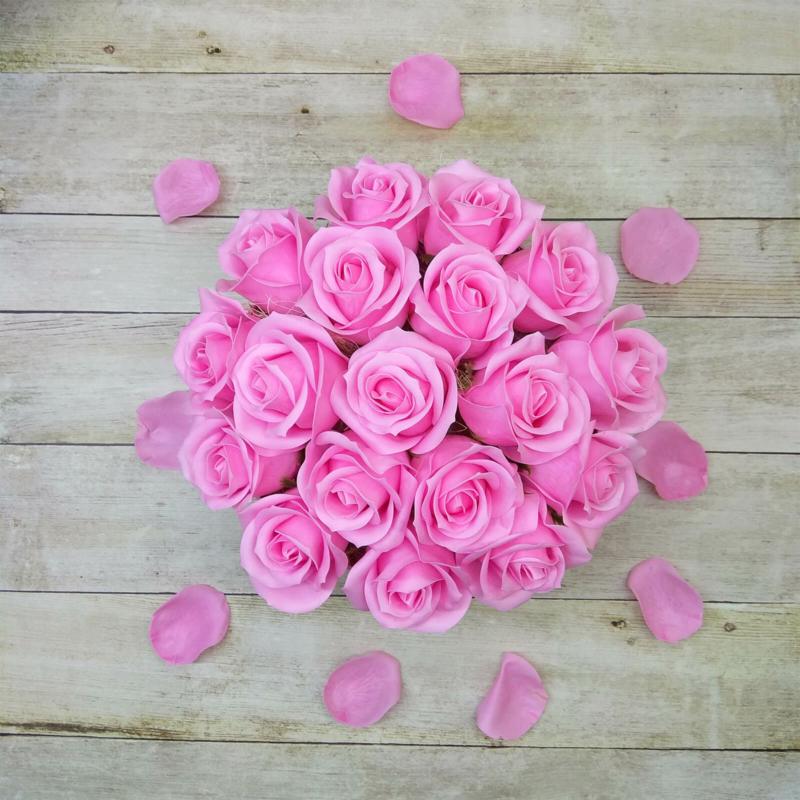 Illatos rózsabox pink - 18 szálas