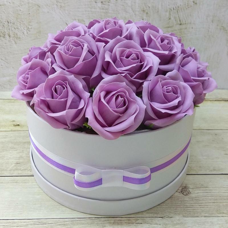 Lila rózsabox - 18 szálas