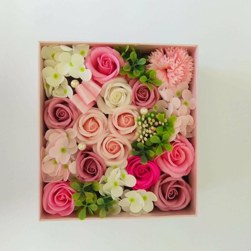 Rózsaszin szappanvirág doboz