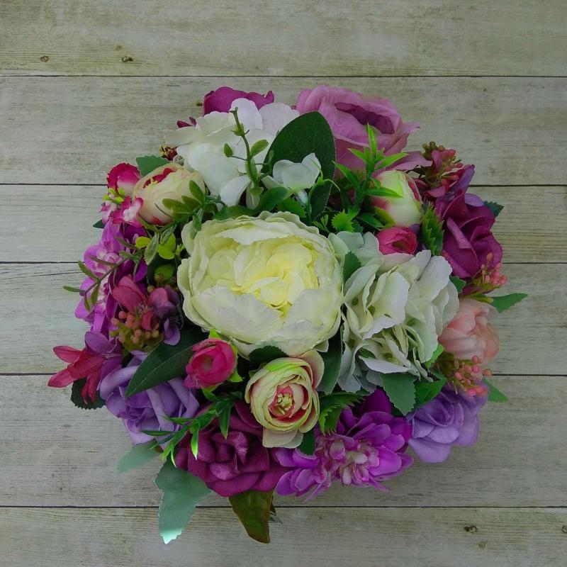 Lila virágbox